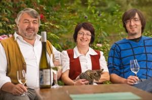 Weingut und Heuriger Familie Pomaßl