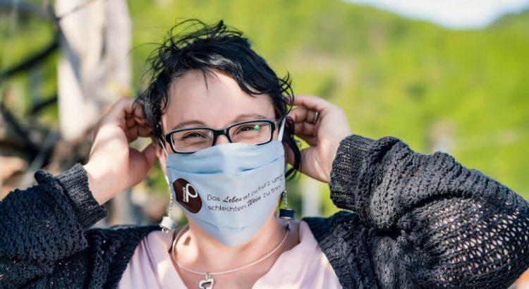 Lissy mit Behelfsmaske
